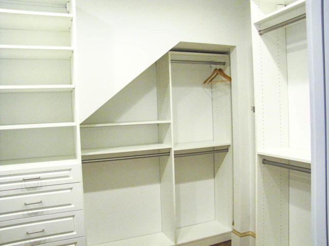 White Square Raised Panel With Built Out Alcove
