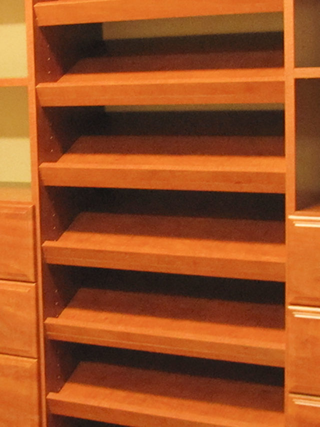 Sunset Slanted Shoe Shelves With Melamine Rail