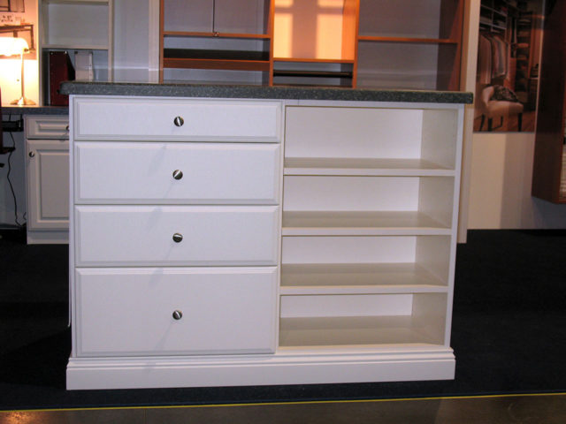 White Island With Classic Drawers Formica Top